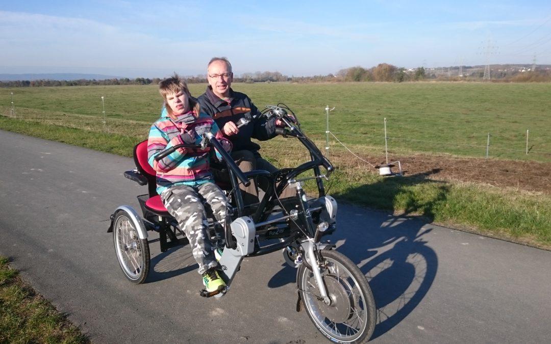 Leberecht macht Saskia aus Bad Vilbel mit einem Dreirad mobil